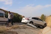 Tekeri Patlayan Otomobil Şarampole Yuvarlandı Açıklaması 5 Yaralı