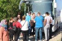 Tur Otobüslerinin Kazası Ucuz Atlatıldı