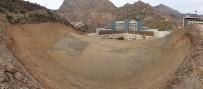 Yeni Hastane İçin Yerin 15 Kat Altına Duvar Yapılıyor