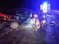 SOĞUCAK - Alkollü Sürücünün Kullandığı Kamyonet Ters Yöne Girdi Açıklaması 1 Ölü, 3 Yaralı