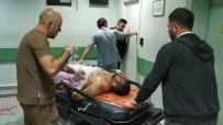 Millet Bahçesi İnşaat Alanında Bıçaklı Kavga Açıklaması1'i Ağır 3 Yaralı