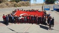 Öğrenciler Türk Bayrağı Açıp, 'Barış Pınarı Harekatı'nı Destekledi