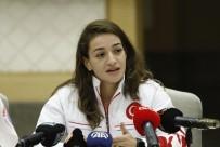 MİLLİ BOKSÖR - Buse Naz Çakıroğlu Açıklaması 'Olimpiyatlarda Altın Madalya Almamak İçin Hiçbir Neden Yok'