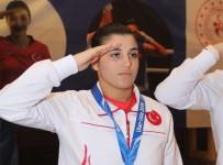MİLLİ BOKSÖR - Busenaz Sürmeneli Açıklaması 'Olimpiyat Kotası Türk Halkını Kesmez, Olimpiyat Madalyası Lazım'