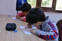 YETENEK SıNAVı - Karikatür Okulu'nda Yetenek Sınavı Yapıldı