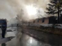 Lokantanın Mutfak Kısmında Çıkan Yangın Korkuttu