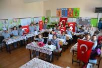 Öğrencilerden Mehmetçiğe Destek Mektubu Ve Türk Bayrağı