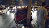 E-5'Te İki Otomobil Çarpıştı, Trafik Durma Noktasına Geldi