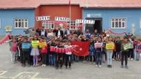 Minik Yüreklerden Mehmetçik'e Destek