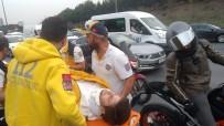 (Özel) Emniyet Şeridindeki Otomobile Motosiklet Çarptı Açıklaması 1 Yaralı