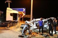 Tunceli'de Tır İle Hafif Ticari Araç Çarpıştı Açıklaması 4 Ölü