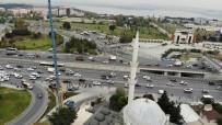 5.8'Lik Depremde Yıkılan Minarenin İkizi Sökülmeye Devam Ediyor