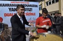 Burdur Belediyesi Şehitler İçin Helva Dağıttı