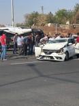 DİYARBAKIR HAVALİMANI - Diyarbakır'da Trafik Kazası Açıklaması 3 Yaralı