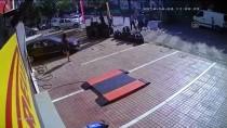 CEVIZLI - Kaza Anı Güvenlik Kamerasında