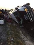 Patates İşçilerini Taşıyan Araç Kaza Yaptı Açıklaması 13 Yaralı