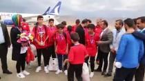 ŞERAFETTIN ELÇI - İspanya'dan İkincilik Kupasını Alan Gençler, Şırnak'a Döndü