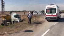 Kahramanmaraş'ta Otomobil İle Tır Çarpıştı Açıklaması 2 Yaralı