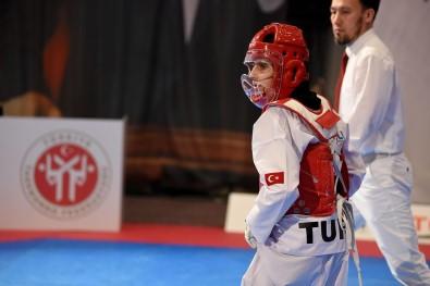 Milli Taekwondo Şampiyonu Babasının Hayalini Gerçekleştirdi