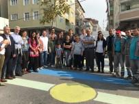 YANıLMA - (Özel) Yaya Güvenliğine Dikkat Çekmek İçin Rengarenk Boyanan Cadde Havadan Görüntülendi