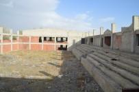 SPOR BAKANLIĞI - Yıllardır Tamamlanamayan Eleşkirt Kapalı Spor Salonu Tamamlanacak