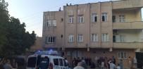 Balkondan Hurda Verirken Akıma Kapılan Kadın Hayatını Kaybetti