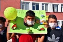 Çevreye Duyarlı Öğrenciler Geri Dönüşüm Malzemesi Topladı
