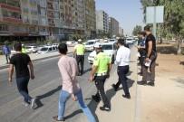 Kızıltepe'de 'Yaya Güvenliğinin Nöbetçisiyiz' Uygulaması