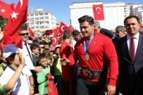 Milli Güreşçi Kayaalp Memleketinde Coşkuyla Karşılandı