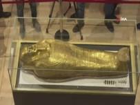 METROPOLİTAN - Mısır, 2 Bin 100 Yıllık Antik Yaldızlı Tabutu Sergiledi