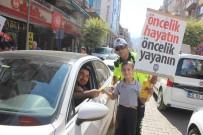 Salihli'de Yaya Geçitlerinde 'Güvenlik' Nöbeti