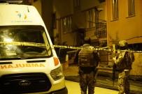 Teröristlerin cesetleri evden çıkartıldı