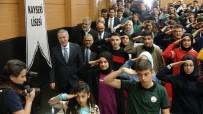 TANER YILDIZ - Bakan Akar Öğrenciler Tarafından Asker Selamı İle Karşılandı