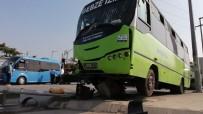 Hafif Ticari Araç Halk Otobüsüne Çarptı Açıklaması 3 Yaralı