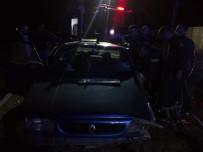 Nurhak'ta Trafik Kazası Açıklaması 1'İ Çocuk 6 Yaralı