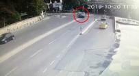 KıSıKLı - Üsküdar'da Lüks Aracın Karıştığı Kaza Kamerada