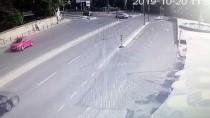 KıSıKLı - Üsküdar'da Trafik Kazası Açıklaması 5 Yaralı