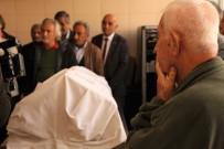 VEDA TÖRENİ - (Özel) 8 Yıllık Kadavra Törenle Toprağa Verildi
