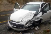 Zigana Dağında Trafik Kazası Açıklaması 3 Yaralı