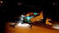 ISPARTA BELEDİYESİ - Ayazmana'da Tamamlanan Altyapı Çalışmaları Sonrası Gece - Gündüz Asfalt Dökülüyor