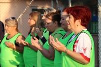 Kadınlar Yeşil Sahada Mehmetçik İçin Dua Etti