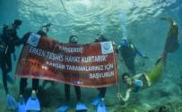 Meme Kanserine Karşı Deniz Altında Pankart Açtılar