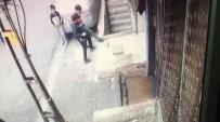 YARALI ÇOCUK - Oyun Oynayan Çocuğun Merdiven Boşluğuna Düştüğü Anlar Kamerada