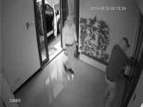 Üsküdar'da Maskeli Hırsızlara Alarm Engeli