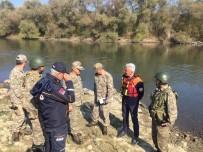 AFAD 1. Derece Askeri Yasak Bölgede 60 Şişme Bot Topladı Ve İmha Etti