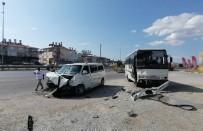 Antalya'da Servis Midibüsü İle Minibüs Çarpıştı Açıklaması 2 Yaralı
