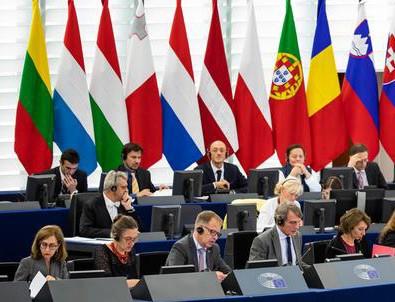 Avrupalı vekillerden küstah Türkiye çağrısı