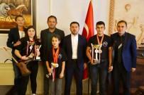 Başkan Arı, Atlı Okçuluk Türkiye Şampiyonasında Dereceye Giren Sporcular İle Görüştü