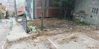 İzmit'te Metruk Binalar Yıkılmaya Devam Ediyor