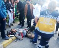 PETROL OFISI - Motosikletli Genç Yaralandı, Olay Yerinden Geçen Doktor Müdahale Etti